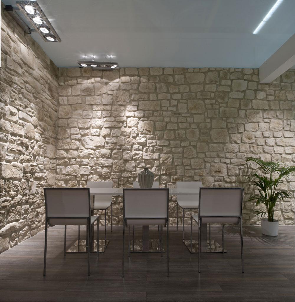 Piastrelle in ceramica pavimenti in cotto legno pvc for Rivestimento pietra leroy merlin